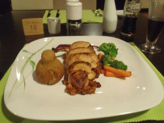 The Boma Nairobi: Nice dining