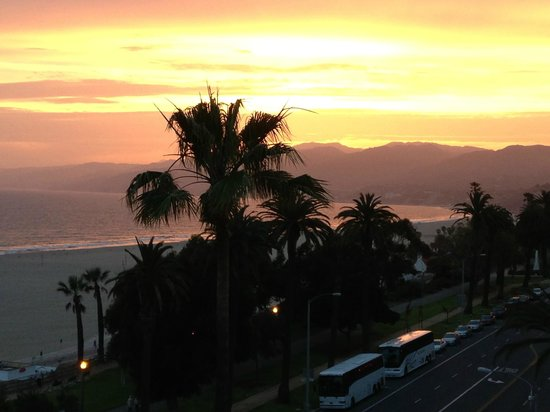 Hotel Shangri-La Santa Monica: Sunset over Malibu from the rooftop bar.  Spectacular!