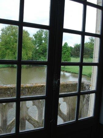 Chateau de Montriou : vue de la chambre au balcon