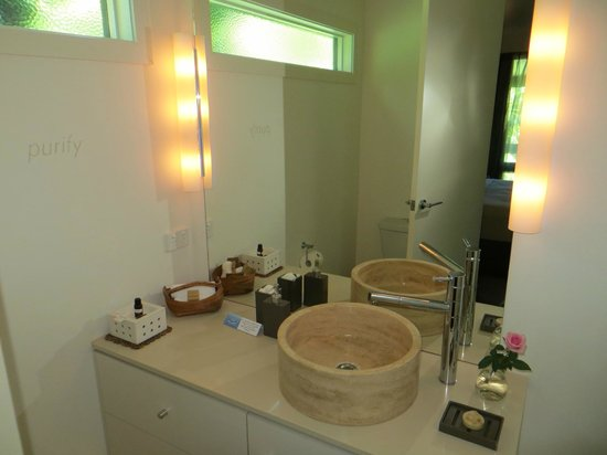 Gaia Retreat & Spa: bathroom, shower only