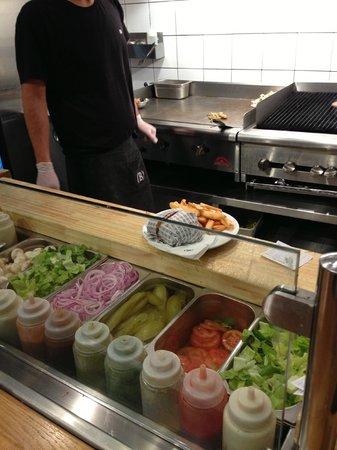 Burgers Bar: cucina a vista per scelta ingredienti