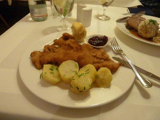 Restaurant S'Nockerl im Elefant : Parsley potatoes were tasty