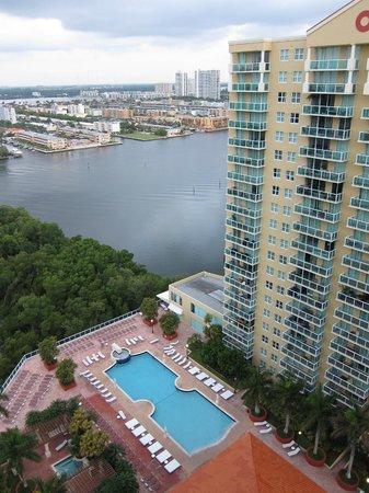 Residences at Intracoastal Yacht Club: Uitzicht vanuit het balkon.