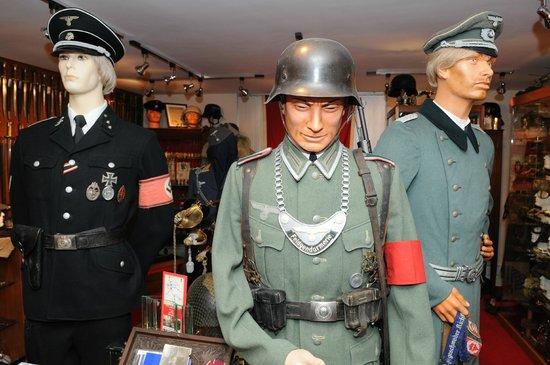 ORIGINAL GERMAN WW2 UNIFORMS - Picture of The Abingdon Collection