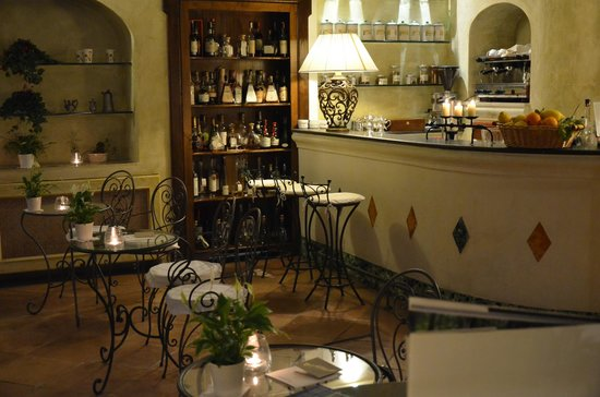 Il Flauto di Pan: Bar Veranda with its Spirits