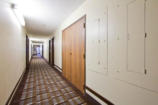 Travelodge Loveland/Fort Collins Area: Interior hallway