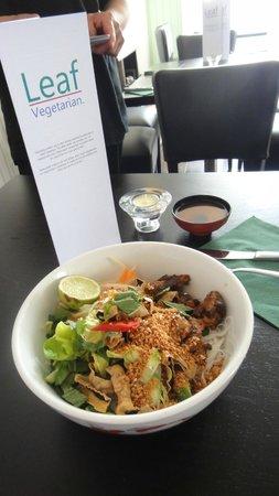 Leaf Vegetarian : Vietnamese Bun, Fresh noodlesalad