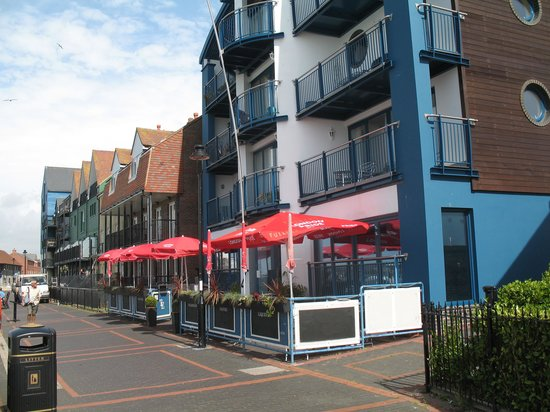 The Empress Bar: Outside patio with view
