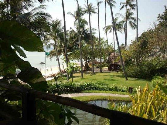 Kamalaya Koh Samui: grounds near beach