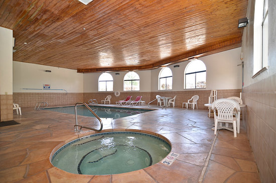 Motel 6 Santa Fe Central: Indoor Pool/Spa