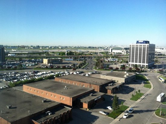 Hilton Garden Inn Toronto Airport: View from 14th floor room