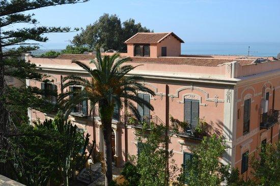 B&B Villa Pirandello : Vista dall'alto Villa Catalisano