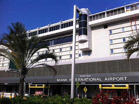 Miami International Airport Hotel: Hotel exterior