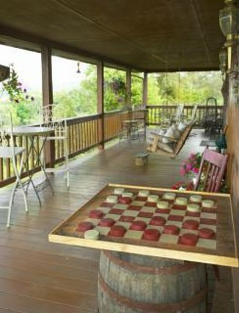 Mountain Song Inn: play checkers on the front deck