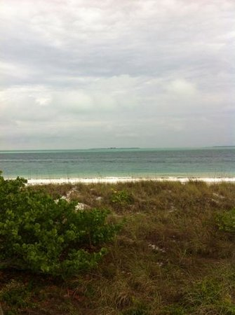 Anna Maria Motel & Resort Apartments: other then it being cloudy the day I took this picture the beach was perfect!!