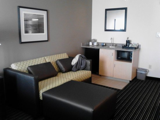 Hampton Inn & Suites San Francisco-Burlingame-Airport South: our room 2