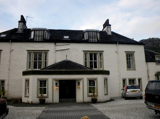 The Dumbuck House Hotel : View from the front of the Dumbuck