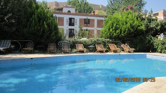 Hotel Kalehan : Pool and rooms