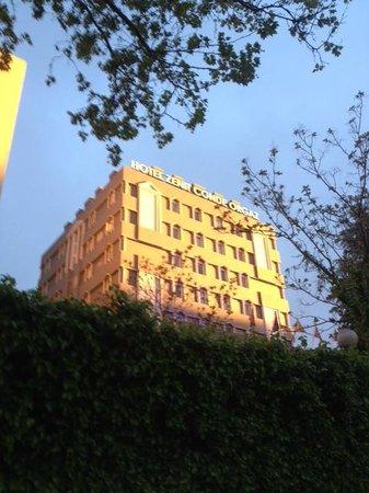 Hotel Zenit Conde de Orgaz: Fachada hotel