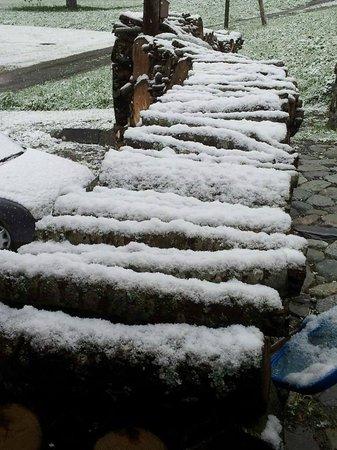 The Hayloft: Schnee am 19. Mai !!