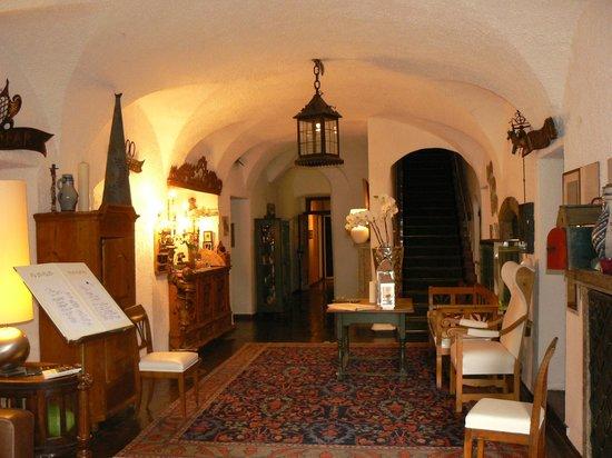 Schlosshotel Iglhauser: De foyer