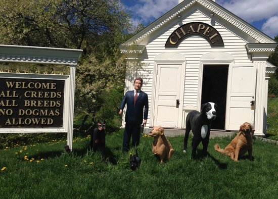 The Dog Chapel : There is one real dog on there