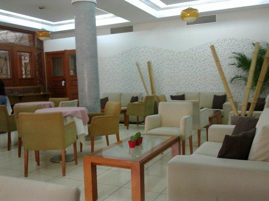 Pyramos Hotel: Breakfastroom