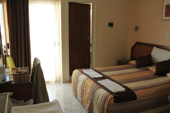 Pyramos Hotel: Bedroom