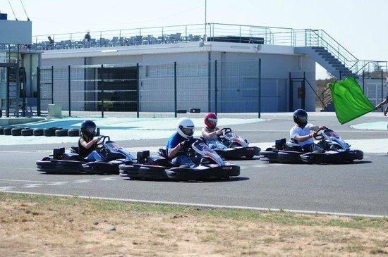 Autodromo Internacional do Algarve: eu e amigos