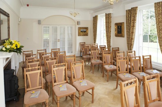Alison House Hotel: Dining room set up for ceremony