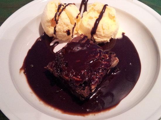Restaurante Titoyayo: Brownie. con helado