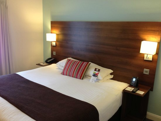 Doubletree by Hilton Chester: Bed area