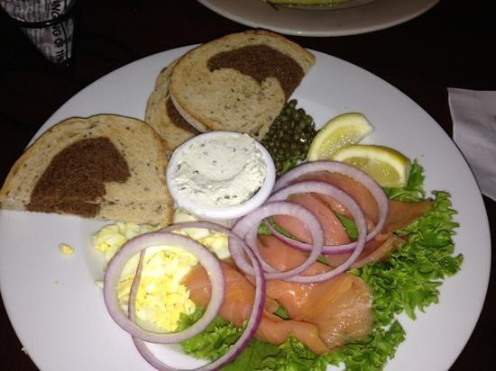 Penny Lane Pub & Restaurant : yummy apps!