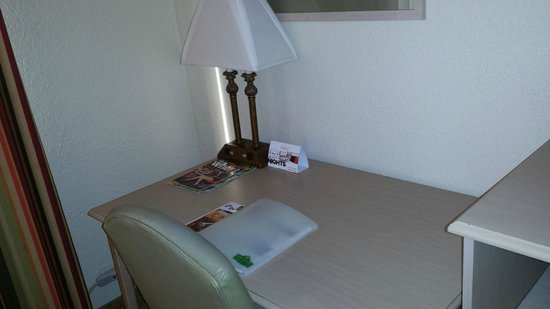 Country Inn & Suites By Carlson, Miami (Kendall): Work area.