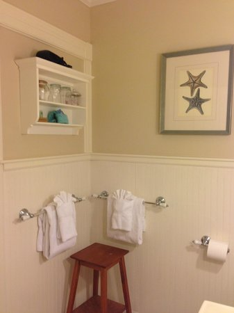 Carriage House Inn: Bathroom Room 3