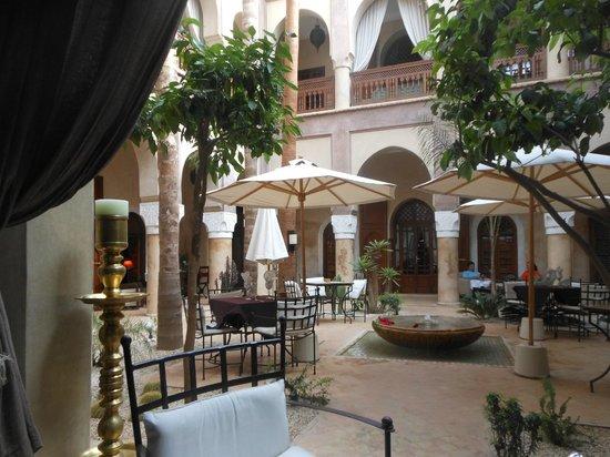 La Villa Nomade : L'accueil du Riad vu de notre chambre
