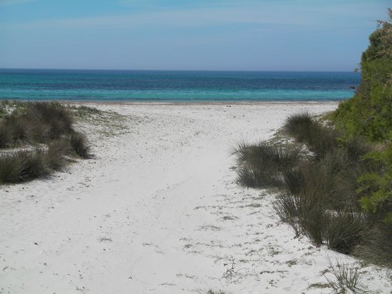 S'Attobiu B&B and Guest-houses: Beach At Piscinni