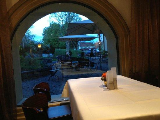 Schloss zu Hopferau: We had a great dinner outside in the Biergarten.