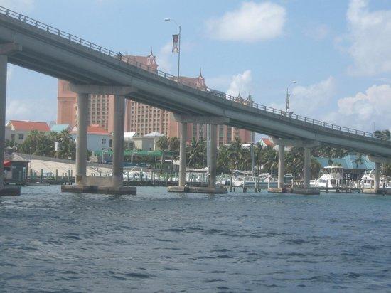 Flying Cloud: Atlantis beyond the bridge