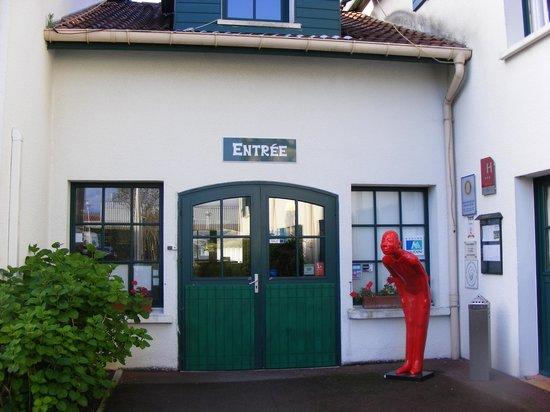 Hôtel Donibane: ENTREE DE L'HOTEL