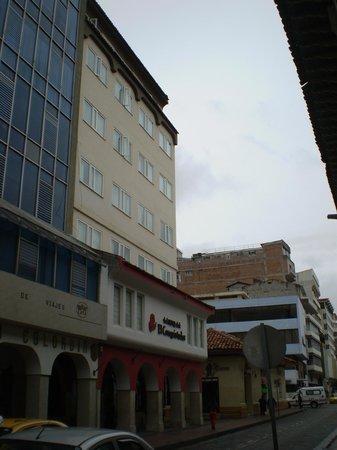 Hotel El Conquistador : The front of the hotel