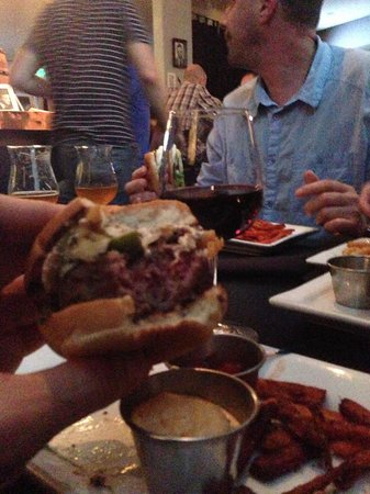 Prohibition Burgers & Beer: got hooked on them sliders