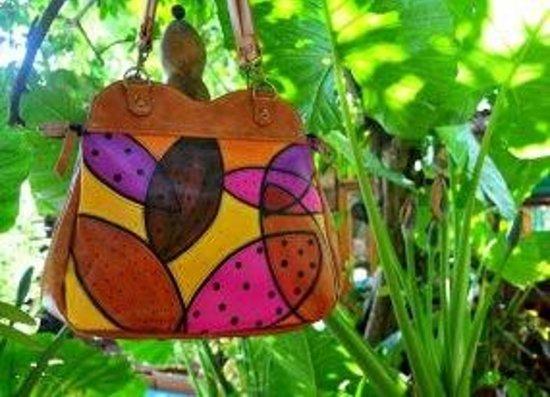 Timbó Arte: Bolsas de cuero pintadas a mano