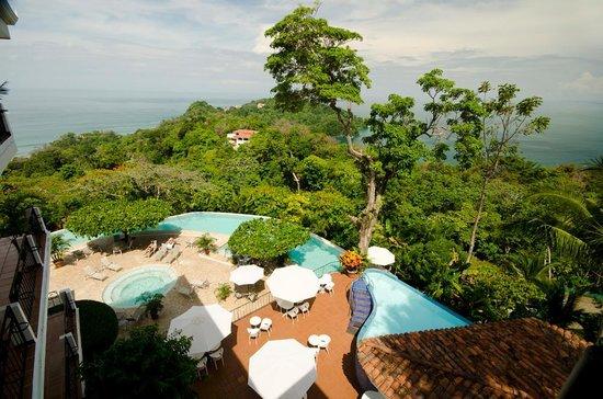 La Mariposa Hotel: Vista superior del hotel area de piscina