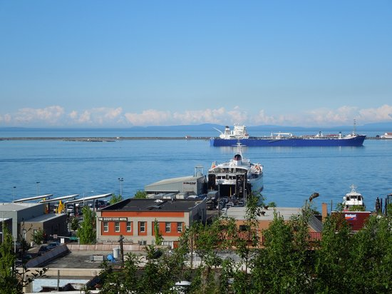 Port Angeles Inn: view from our harbor-view room