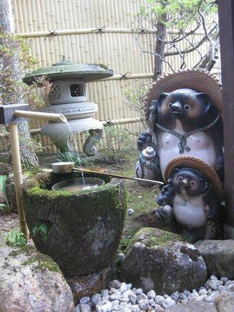 Oyado Yamakyu: entrance