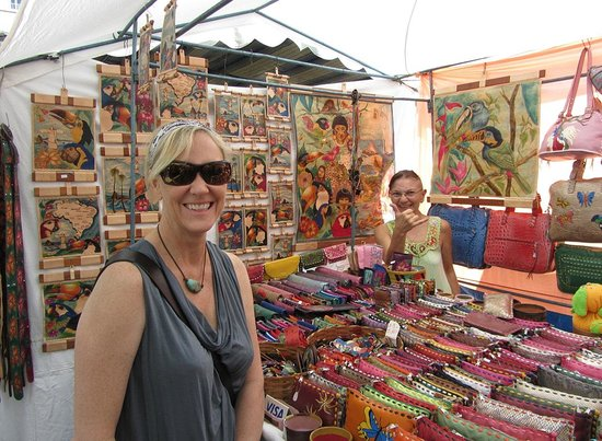 Feira Hippie de Ipanema: Great crafts and characters!