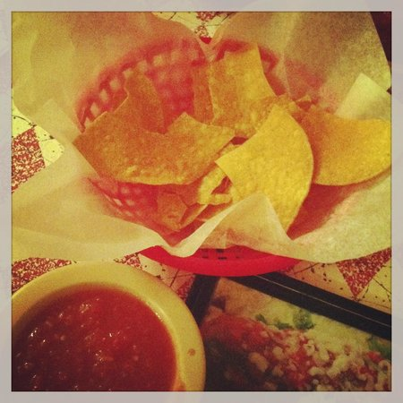 Marshville, Caroline du Nord : Fresh warm chips and salsa