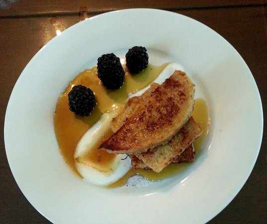 Hayes Inn: Breakfast appetizer - French toast