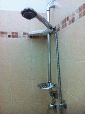 Chocolat Inn: Bathroom